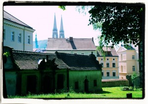 Przedmieście św. Mikołaja. W tle wieże kościóła św. Piotra i Pawła. Goerlitz