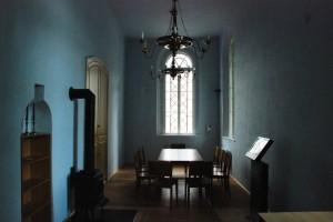 Wnętrze administracji synagogi. Jan van Eyck byłby uśmiechnięty...