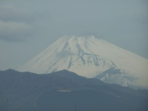 Reward for any trip with Shinkansen to Kyoto. Fuji-san in a winter outfit. / W drodze do Kyoto. Fuji za oknem...