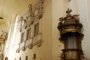 Kosciół franciszkanów pw.św.Ducha; fragment prezbiterium (barokizacja po1720 roku)