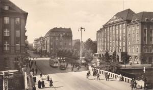 Ulica Wilhelmstrasse, późne lata trzydzieste 20 wieku. Gliwice/Gleiwitz. Tak mógł wyglądać 31. sierpnia 1939 r.