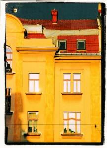 Żółta fasada / Yellow facade