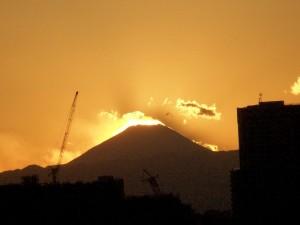 A wiatr wieje... Fuji o zachodzie słońca, Odaiba, Tokio / And wind blows, Fuji-san (Odaiba, Tokyo)