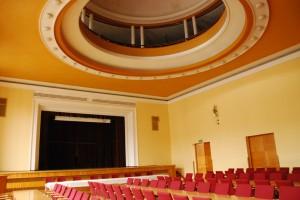 Sala teatralna z  widokiem na lepszą przyszłość
