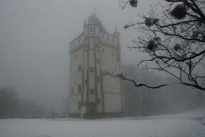 Biała (wieża) wbiałym / White Tower in White