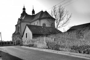 Stara ulica ikościół / Old street and the church (Krzanowice/Kranowitz)