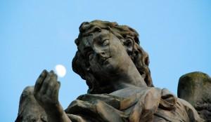 Anioł zKsiężycem (real photo)