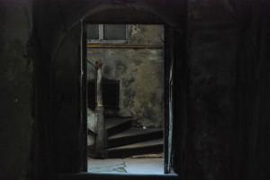 Podwórze / Monochromat niemal doskonały (Kłodzko)