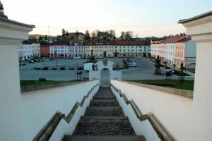 Schody isamochody (Fulnek, rynek miasta)