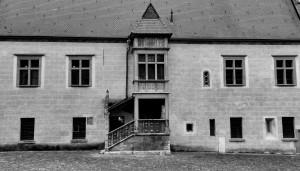 Okna iwieloboki (fragment elewacji ratusza), Bardejów