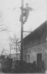 Pan Staś elektryfikuje... (zdjęcie archiwalne, zezbiorów L. Jodlińskiego)