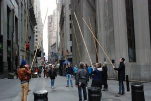 Group / Grupa ( wposzukiwaniu wspólnoty/ Wall Street - Broadway corner)