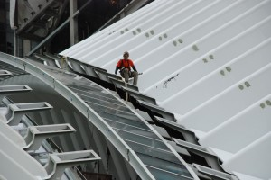 Naprawianie skrzydeł do lotu / Fixing wings for the flight (WTC Hub; arch. Santiago Calatrava)