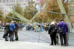 Zaglądanie / Looking into (9/11 Museum)