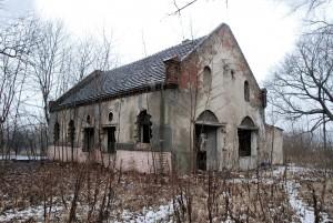 Dom przedpogrzebowy / Pre-burial House (dawny cmentarz żydowski wPyskowicach)