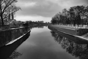 Rzeka / River (Wrocław) [ Widok na wieże Archikatedry św. Jana Chrzciciela]