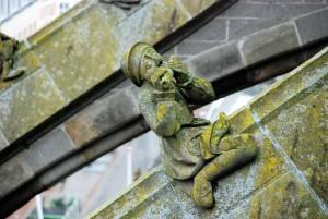 Grajek / Musician (stone sculptures of Sint Jon Cathedral, s-Hertogenbosch)