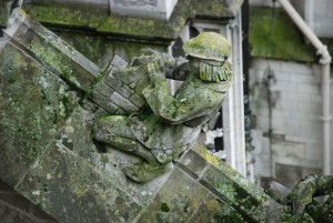 Murarz / Bricklayer (decoration of the cathedral, s-Hertogenbosch)