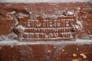 Napisy (3) Breslau (fragment autentycznej witryny sklepowej)