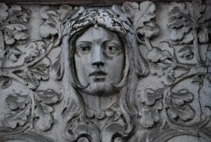 Ona (fragment dekoracji, Bytom, Stare miasto)