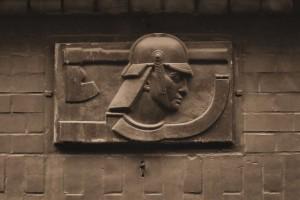 Strażak (relief na budynku straży pożarnej, Bytom)