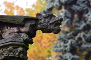 Animal (ŚWierklaniec, fragment dekoracji mauzoleum)